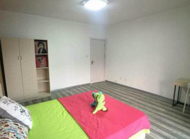 景星家园 3室 1厅 1卫 次卧