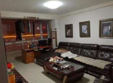 宏发小区 3室 2厅 2卫 126.75㎡