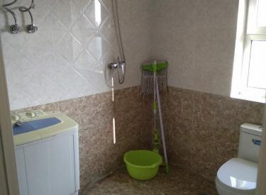 第一次出租 电梯房  干净整洁  家具家电齐全  一应俱全