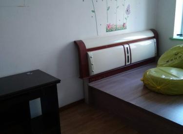 本人手里有干净整洁 宽敞明亮 家具家电齐全 随时看房