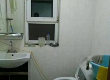 海棠阁楼,两室一厅,屋内干净,家电家具齐全,交通方便随时看房