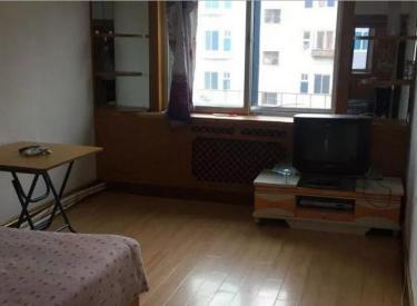 血栓医院南,4楼,60平,老装,家电齐全,屋内干净,随时看房