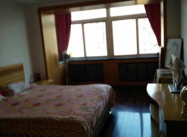 城建花园 3室 2厅 2卫 169㎡