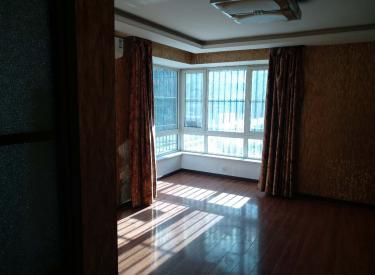凯兴花园 4室3厅2卫    191.00㎡