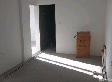 泰荣湾 4室2厅2卫  清水房 价格便宜 园区优美 交通方便
