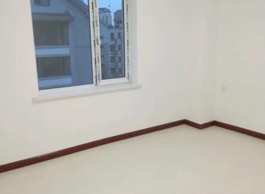 沈阳站太原街商圈兴旺楼92平三室精装地热65万有钥匙急卖