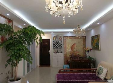 丁香湖 美的城 精装三室 一楼带花园 园区中心 临地铁口
