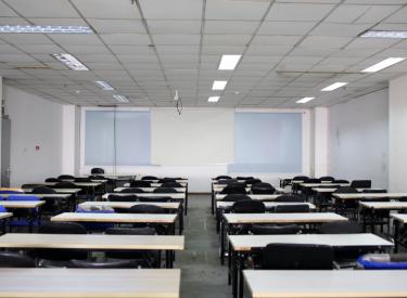 三好街音乐学院旁 教室出租 有桌椅 可容纳80人
