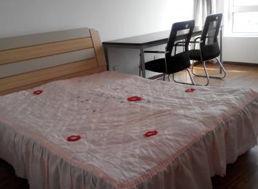 华府丹郡 2室 2厅 1卫 92㎡ 押一付三