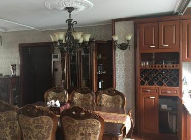 吉宝季景沁园 3室2厅1卫139㎡