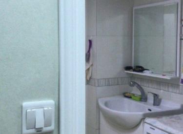 在水一方 3室 2厅 2卫 134㎡