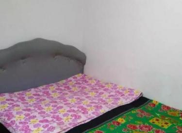 紧邻一中107振东 沈东中学 5楼南北50米 床2个家具家电