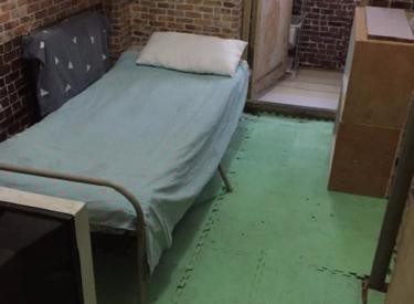 爱馨苑  4室 1厅 1卫 次卧