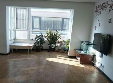 江南甲第1期 4室2厅2卫精装修 地铁房 可季度租 有跃层