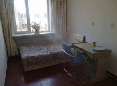 东大社区  4室 1厅 1卫