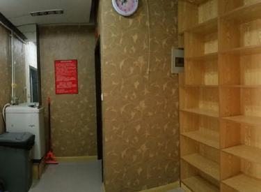慈芳大厦 3室 2厅 2卫 床位