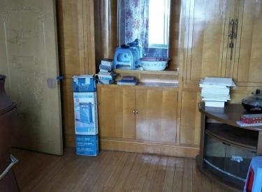 东湖小区 2室 1厅 1卫 60㎡ 半年付