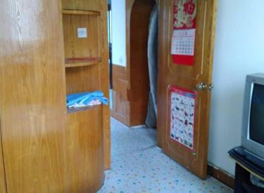 牡丹江小区 家具家电齐全 屋里干净 242医院 临近地铁口