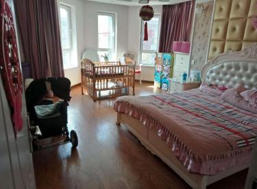 保利花园六期,三室两厅两卫,精装,位置佳
