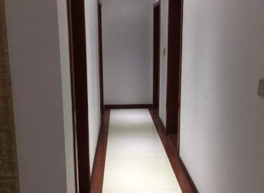 中海寰宇天下 B区楼 王 三室精装 双南卧户型 超低 价急售