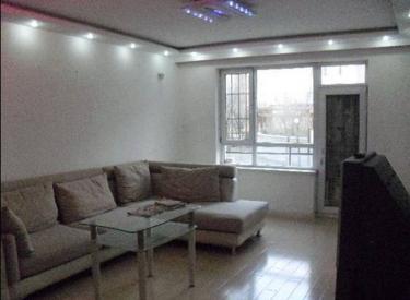装修好保利海棠花园 三室两厅1楼有花园105平2200/月