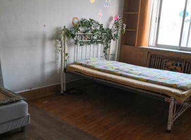 东宇社区 2室 1厅 1卫 79㎡ 半年付