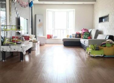阳光尚成三期 带阁楼 使用面积超大 采光好 中间位置 价格低