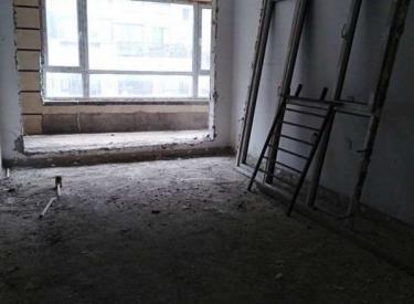 沈北中铁人杰水岸一跃二 清水房随意装修实得面积300多带车库