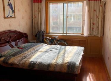 吉祥花园 3室2厅1卫    145.00㎡