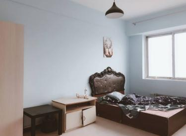 云峰嘉园 两室 精装 包采暖物业 家具家电齐全