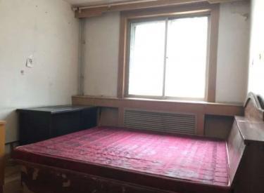 方迪家园旁多层二楼 两室 包采暖费 拎包入住