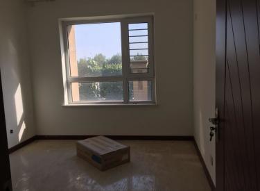 尚盈丽城挨着大门口一楼93平适合做买卖出租 适合养生馆 足疗