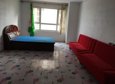 尚盈丽景挨着大门口13楼95平2室一厅600一个月
