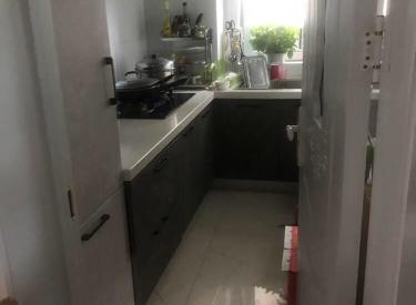 尚盈丽城93平精装修2室1200一个月