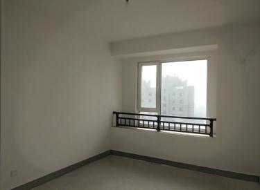 碧桂园凤凰城西区18楼!毛坯82平2室2厅!采光好!不山不街
