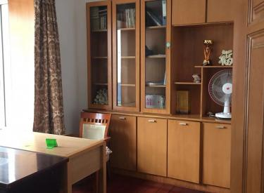 北市家园 3室 2厅 2卫 165㎡ 半年付