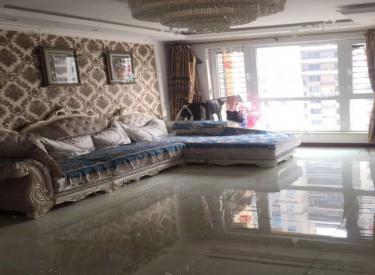 国瑞城 3室2厅 3500元 豪华装修 拎包即住 干净整洁