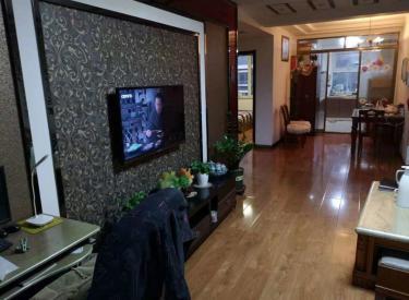 大东中体花园新城 R多层南北标户 精装修保持干净 带阁楼