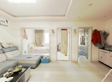 荣信森林里.洋房精装修的.两室两厅.标准户型.