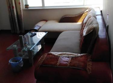 美麟阁两室一厅,简单装修,家具家电齐全低价出租