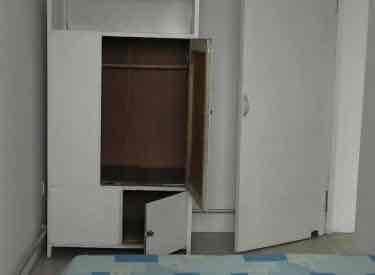 中房回迁楼 6楼,两室,精装修出租1100元