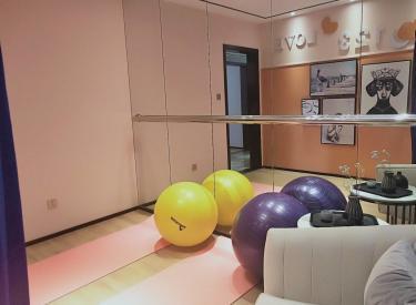 电梯洋房.四室两厅大平层,二手房手续,不限购,三学区,汇置