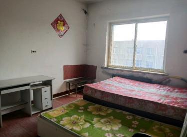 和平新华广场南京街1室中等装修拎包入住134总校户口已迁出。