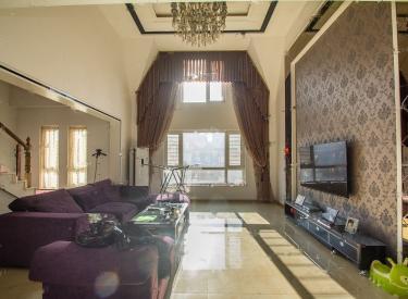 房子干净,拎包就可以住,采光好,装修简单时尚。