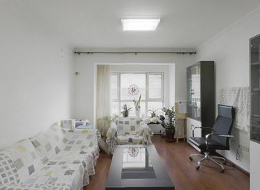 盛京绿洲精装修的三室 户型方正 出行方便