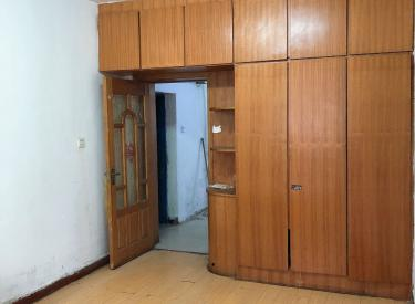 急卖 大东区上园二 1楼南北 厅大能放床 适合老人居住 安静