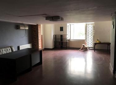 一世界 2室 2厅 1卫 126㎡