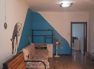 医学院地铁口附近 时尚雅居 南北 精装 一室 家具家电齐全