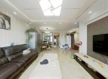 婚房精装修,采光好,双地铁,周边配套设施齐全。