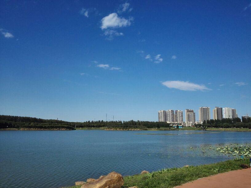 昨日,在沈阳市于洪区第十三届人民代表大会第一次会议上,于洪区